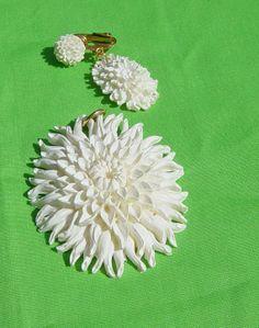 Vintage Chrysanthemum Flower Pendant Plus Matching by Castawayland, $6.95
