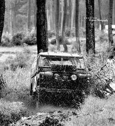 Land rover 88 Serie II Soft top enjoying