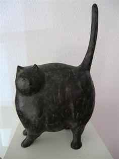 Evert van Hemert - brons en schilderijen Crazy Cat Lady, Crazy Cats, Cat Attack, Clay Animals, Goblin, Cat Art, Sculpture Art, Sculpting, Dog Cat