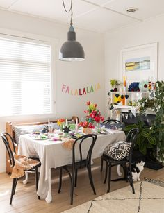 This sweet Auckland bungalow proves Christmas can be colourful Hello Saturday, Old Garage, Christmas Tree Farm, Bathroom Pictures, Christmas Fashion, Black Kitchens, Family Traditions, White Decor, Auckland