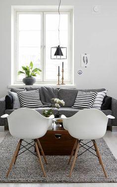 deco nordique et tapis gris avec canapé gris et coussins de canapé