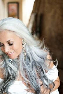 going grey with beauty.. I so want to stop dying my long hair! love this look!!