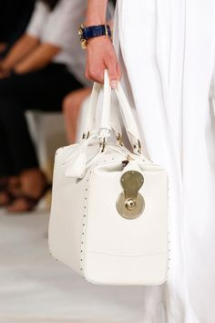 Ralph Lauren Spring 2016 Ready-to-Wear collection, runway looks, beauty, models, and reviews. Ralph Lauren Looks, Ralph Lauren Style, Ralph Lauren Collection, Sport Chic, Cute Handbags, Purses And Handbags, Bcbg, White Purses, Fashion Week