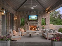 The traditional patio also extends your home living space. You can use it as a relaxing room, dining area, or place for socializing. Here are 15 beautiful patios you can use as inspirations. Outdoor Rooms, Outdoor Living, Outdoor Decor, Outdoor Areas, Backyard Patio Designs, Backyard Ideas, Porch Designs, Brick Patios, Porch Decorating