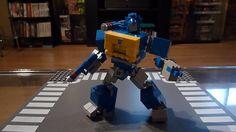 Soundwave, G1 Mini Transformer w/ Instructions: A LEGO® creation by Chris Roach : MOCpages.com