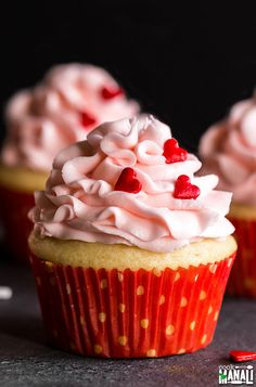 Perfect Eggless Vanilla Cupcakes - Cook With Manali