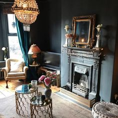 10 Beautiful Rooms: The South West dark interiors with brass accents by heavenly homes and gardens Home Interior Design, Eclectic Home, Dark Interiors, Interior Design, House Interior, Apartment Decor, Interior Design Rustic, Home Decor, Victorian Interior
