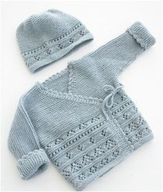 Odeta / DROPS Baby - free knitting patterns by D .- Odeta / DROPS Baby – The set includes: Knitted jacket with knitted sleeves and shoes with lace pattern and ridges for babies. The set is knitted in DROPS BabyMerino. Baby Cardigan Knitting Pattern Free, Baby Sweater Patterns, Knit Baby Sweaters, Knitted Baby Clothes, Knit Patterns, Knitted Baby Cardigan, Cardigan Pattern, Knitting Sweaters, Wrap Cardigan