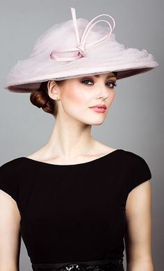 Rachel Trevor Morgan, S/S 2014. Soft tulle bell with narrow straw bow. #passion4hats