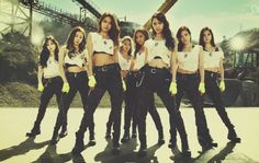 Girl's Generation to appear on 'Running Man' and have their own show! - http://www.kpopmusic.com/artists/girls-generation-to-appear-on-running-man-and-have-their-own-show.html