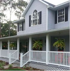 Vinyl low-maintenance front #porch railing from Weatherables #OutdoorDecor