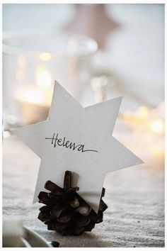 The best DIY projects & DIY ideas and tutorials: sewing, paper craft, DIY. Diy Crafts Ideas Simple star place card & pine cone holder—an easy DIY Christmas dining accent❣ Annixen -Read Noel Christmas, Winter Christmas, All Things Christmas, Christmas Crafts, Christmas Decorations, Xmas, Navidad Simple, Navidad Diy, Deco Table Noel
