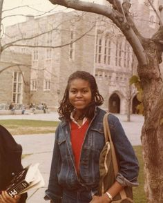 First Lady Michelle Obama College Days. Michelle Obama College, Michelle E Barack Obama, Barack Obama Family, Michelle Obama Fashion, Obamas Family, American First Ladies, The Great Migration, Smart Women, Vogue