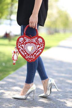 #luxury #handbag #petratoth #fashion #folklore #slavic Pet Rats, Folklore, Louis Vuitton Speedy Bag, Purses And Bags, Fashion Beauty, Handbags, Luxury, Totes, Purse