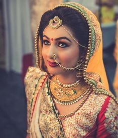 Bridal Nose Ring Ideas - Stunning Bridal Nath designs that Indian Brides Slayed - Witty Vows Indian Bridal Fashion, Indian Bridal Makeup, Indian Bridal Wear, Bridal Beauty, Nath Bridal, Bridal Nose Ring, Nath Nose Ring, Bride Photography, Indian Wedding Photography