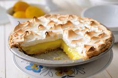 How to blind bake a pie crust via @kingarthurflour