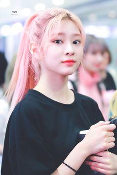 Petty Girl, Candy Hair, Yu Jin, Japanese Girl Group, Kim Min, Ponytail Hairstyles, Ulzzang Girl, My Beauty, K Idols