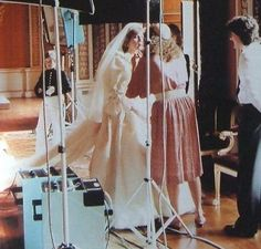 July Prince Charles marries Lady Diana Spencer in Saint Paul's Cathedral. Princess Diana being made up for the wedding photos. Charles And Diana Wedding, Princess Diana Wedding, Princess Diana Family, Royal Princess, Prince And Princess, Princess Of Wales, Lady Diana Spencer, Spencer Family, Adele