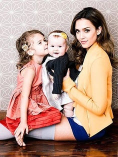 After being named one of the top 100 most creative people in business in 2012 by Fast Company, Jessica Alba poses with her daughters Honor Marie, 3, and Haven Garner, 9 months for an ultra chic photo shoot. Family Posing, Family Photos, Children Photography, Family Photography, Photography Ideas, She Girl, Mom Daughter, Mother Daughters, Family Affair