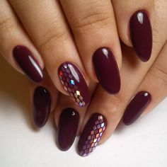 45 Newest Nails Designs For 2018 Winter In the world of nail art, trends don't change as quickly and radically as in make-up, but the main directions for the winter nails 2018 can still be identified. We'll tell on what shades of winter nail polish color Burgundy Nail Polish, Burgundy Nail Designs, New Nail Designs, Red Stiletto Nails, Red Acrylic Nails, Black Nails, Dark Red Nails, Nail Deco, Wine Nails
