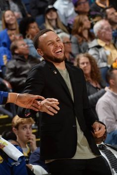 Stephen Curry of the Golden State Warriors looks on during the game against the Los Angeles Lakers on March 14 2018 at ORACLE Arena in Oakland. Basketball Games For Kids, Basketball Rules, Basketball Leagues, Basketball Players, Basketball Court, Chino Hills Basketball, Curry Basketball, Stephen Curry Family, Wardell Stephen Curry