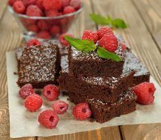 Try this recipe for delectable chocolaty Banting brownies, made with gluten-free almond flour and packed with high-protein nuts.