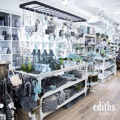 Source by rindlekofer The post appeared first on The most beatiful home designs. Home Fashion, Door Fittings, Christmas Arrangements, Metal Shelves, Table Linens, Fairy Lights, Sliding Doors, House Design, Home Decor