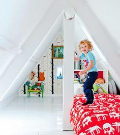 Met een hoogglans witte vloer lijkt je kamer veel ruimtelijker en krijgt het een 'classy' uitstraling.