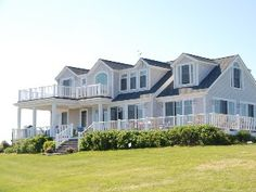 Courageous Beach House, private beach access, ocean views, 1.5 from town