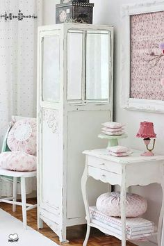 Little bit of prettiness to your style. ..