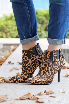 Saw these at Nine West today! Leopard Print Heels, Nine West, Stiletto Heels, Bags, Shoes, Fashion, Handbags, Moda, Zapatos