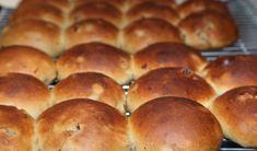 Recipe for Raisin Buns / Krentenbollen