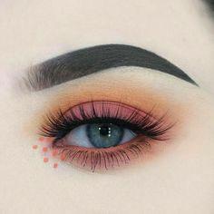 NYX ultimate palette brights – Makeuptipsideas – Make-up Makeup Eye Looks, Blue Eye Makeup, Pretty Makeup, Skin Makeup, Eyeshadow Makeup, Bright Eyeshadow, Eyeshadow Ideas, Grunge Eye Makeup, 80s Eye Makeup