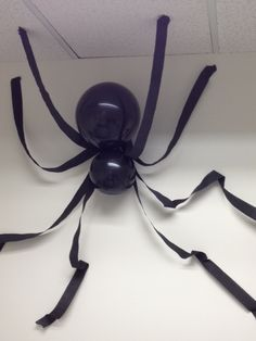 Black Balloons crepe paper and tape to attach to wall. Halloween Balloons, Halloween Games For Kids, Easy Halloween Decorations, Easy Halloween Crafts, Halloween Birthday, Halloween Party Decor, Halloween Themes, Halloween Kid Treats, Diy Halloween Spider
