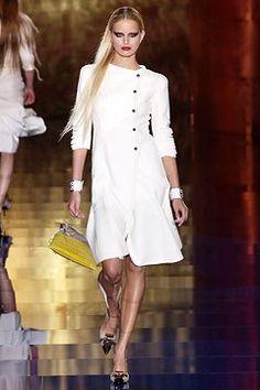 Valentino Spring 2003 Couture Fashion Show - Valentino Garavani, Karolina Kurkova