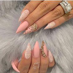 My gorgeous stiletto nails by @fiina_naillounge