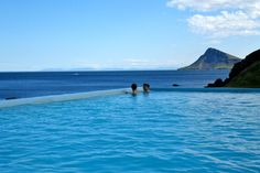 The geothermal infinity pool at Krossneslaug, the Westfjords. Image by Peggy S / CC BY-SA 2.0