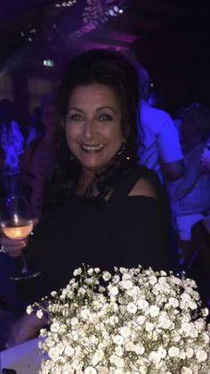 Over ons :: Melodivas Anja Hoyer van deursen is algemeen bestuurslid en houdt mee ee noogje op al die dames.