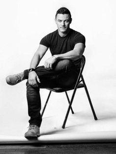 Hot Actors, Actors & Actresses, Imaginary Boyfriend, Hottest Guy Ever, Luke Evans, Poses For Men, Good Looking Men, Our Lady, Perfect Man