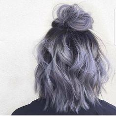 "18k aprecieri, 123 comentarii - DA Hair 🌹 Blogger 🤡 Hairstyles (@imallaboutdahair) pe Instagram: ""Time for a man bun but a female bun @aprilmarie.beauty"""