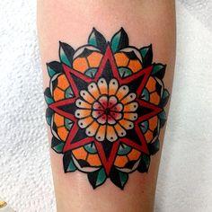 Traditional red star and mandala tattoo tattoos ○ ● mandala tattoo, tra Traditional Mandala Tattoo, Traditional Tattoo Design, Traditional Tattoos, Make Tattoo, Tattoo You, Classy Tattoos, Star Tattoos, Tatoos, Mandalas Painting
