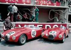 Two OSCA MT4:s in the pits of Le Mans in 1954.