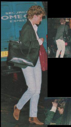 January 7 1994 Diana leaving Waterstones Bookshop in London
