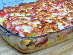 """Wir essen """"Pizza"""" in jeder Form und dieser Auflauf hier war sehr lecker!! Ihr könnt die Zutaten variieren. Alles, was Euch schmeckt. Dazu einen knackigen, grünen Salat, mehr braucht es nicht.    Ihr"""