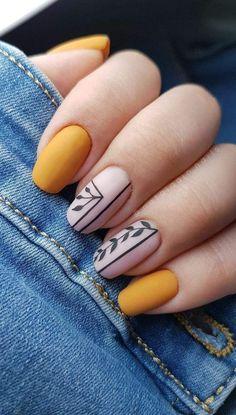 Effect nailart yellow nail inspo unha amarela inspo Nails How to use nail polish? Nail polish in your friend's nails lo Cute Acrylic Nails, Matte Nails, Acrylic Nail Designs, My Nails, Acrylic Art, Short Square Nails, Short Nails, Yellow Nail Art, Yellow Nails Design