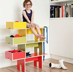 Bobby, a special shelf for children - Petit and Small
