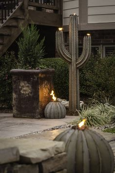 I need this for the entrance into my Texas ranch/castle. Saw this guy at an art festival in San Antonio and it was AMAZING! They are metal structures, build for torches or lights and so beautiful! @Crushmomma3