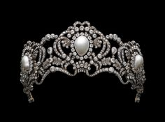 The Archduchess Marie Valerie's Tiara (Empress Elisabeth of Austria's daughter) 1913. Gold, silver, diamonds, natural pearls