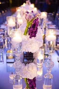 How amazing is this Dallas wedding at the Joule Hotel? Sarah Kate captured all of the elegance and gorgeous florals from this beautiful wedding. Romantic Wedding Centerpieces, Diy Wedding Favors, Romantic Weddings, Wedding Themes, Wedding Designs, Bouquet Wedding, Wedding Dresses, Mod Wedding, Wedding Day
