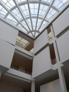 23: Later Interpretation; High Museum of Art; Atrium; Richard Meier